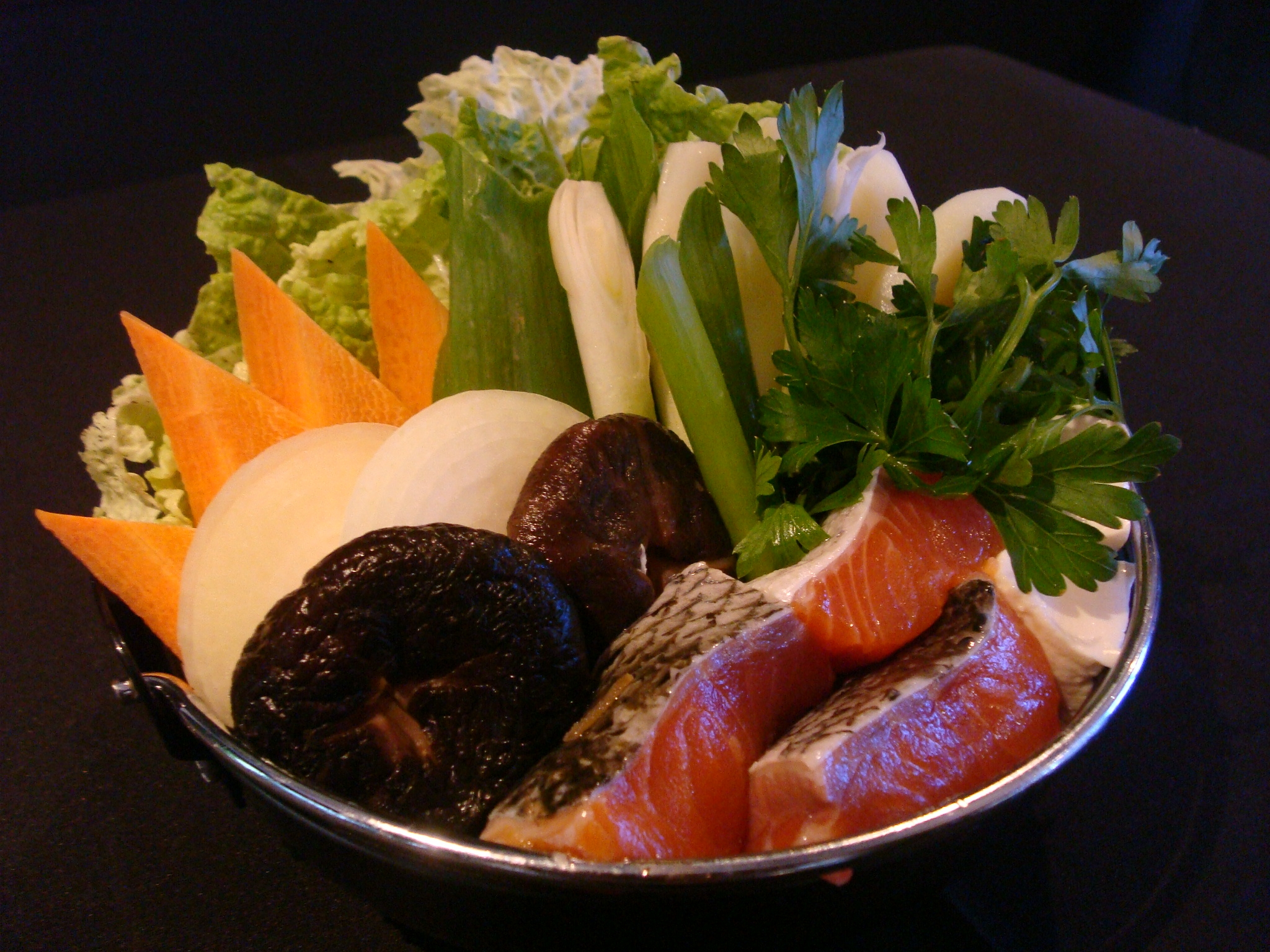 http://tastefood.files.wordpress.com/2008/07/ishikari-nabe_01.jpg