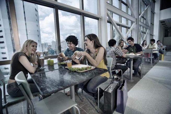 Plaza Shopping - Praça de Alimentação - foto Agência Level Divulgação -02